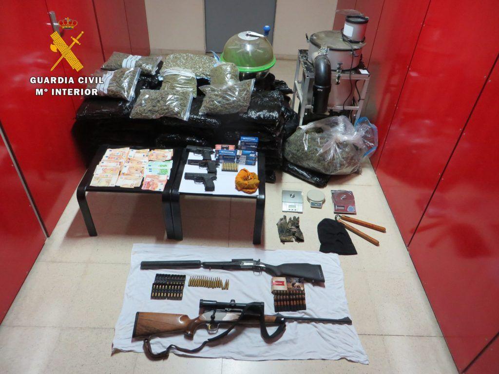 """La Guardia Civil realiza la operación """"MADAR"""" contra el tráfico de drogas, blanqueo de capitales y tenencia ilícita de armas"""