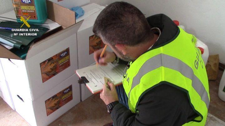 La Guardia Civil detiene e investiga a seis responsables del comercio de productos fitosanitarios peligrosos para la salud en la provincia de Salamanca