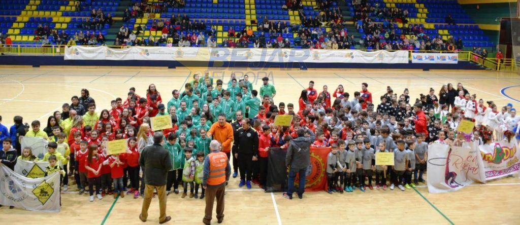 Durante doce horas, el pabellón municipal de Béjar acogió el sábado la gala deportiva benéfica anual