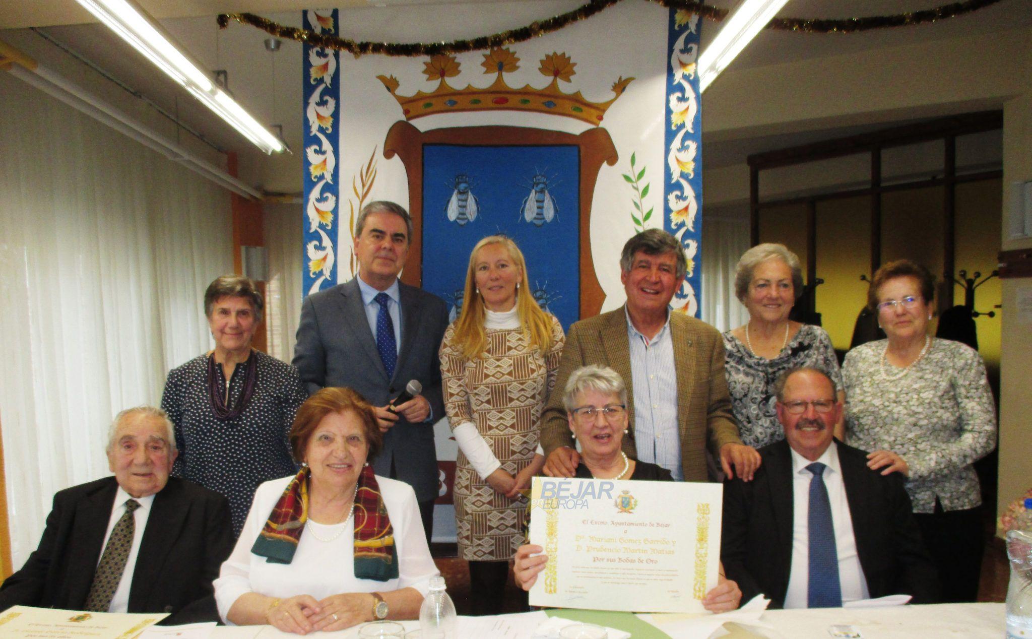 Fiesta de Bodas de Oro y 85 cumpleaños en el Centro de Día de Mayores
