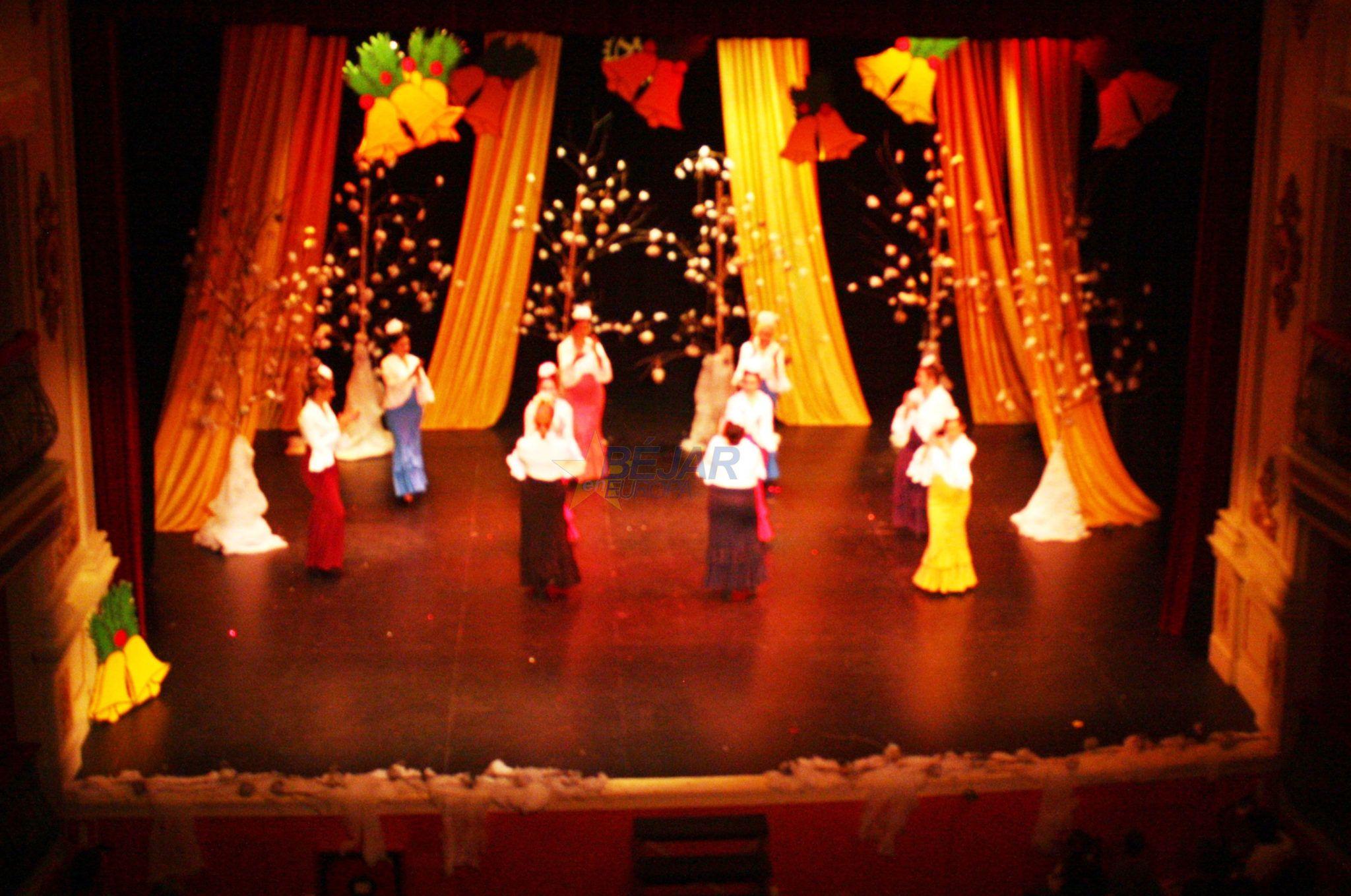 Un Teatro Cervantes abarrotado acogió la XVI edición del Festival de Navidad del Rotary Club de Béjar