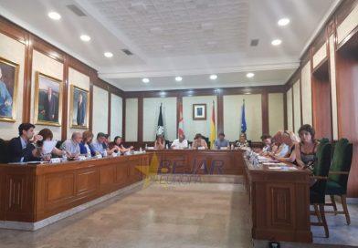 VÍDEO | Se aprueba la dedicación parcial de la alcaldesa con la abstención de Cs