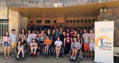 Miembros del CjBejar asisten al encuentro anual Comunidad Joven