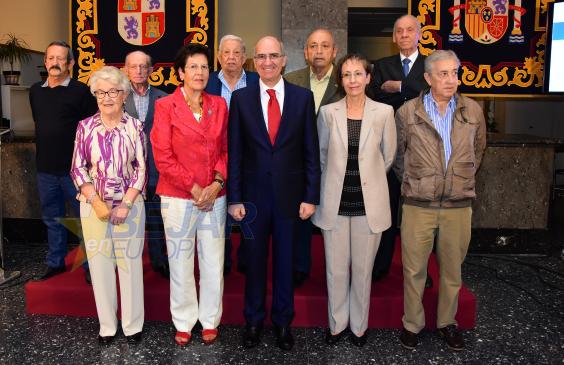 Homenaje de la Diputación a las 4 primeras alcaldesas de la democracia en el Día de la Provincia