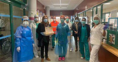 Alcaldesa y concejala visita centro salud