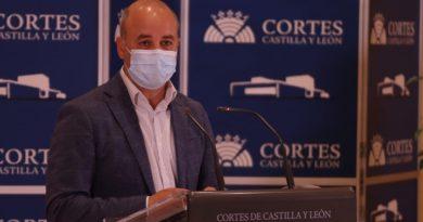 Castaño: «La atención presencial en los consultorios se va a recuperar de mediados de mayo»